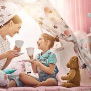 چگونه با کودک خود بازی نماییم؟